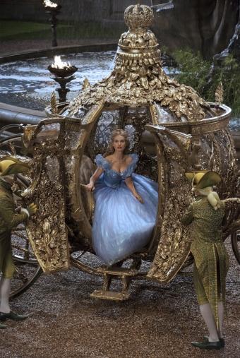 Cinderella-Lily_James-012[1]