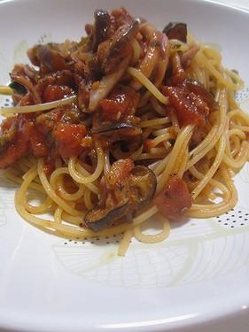 20150522イカと茄子のトマトパスタ (2)