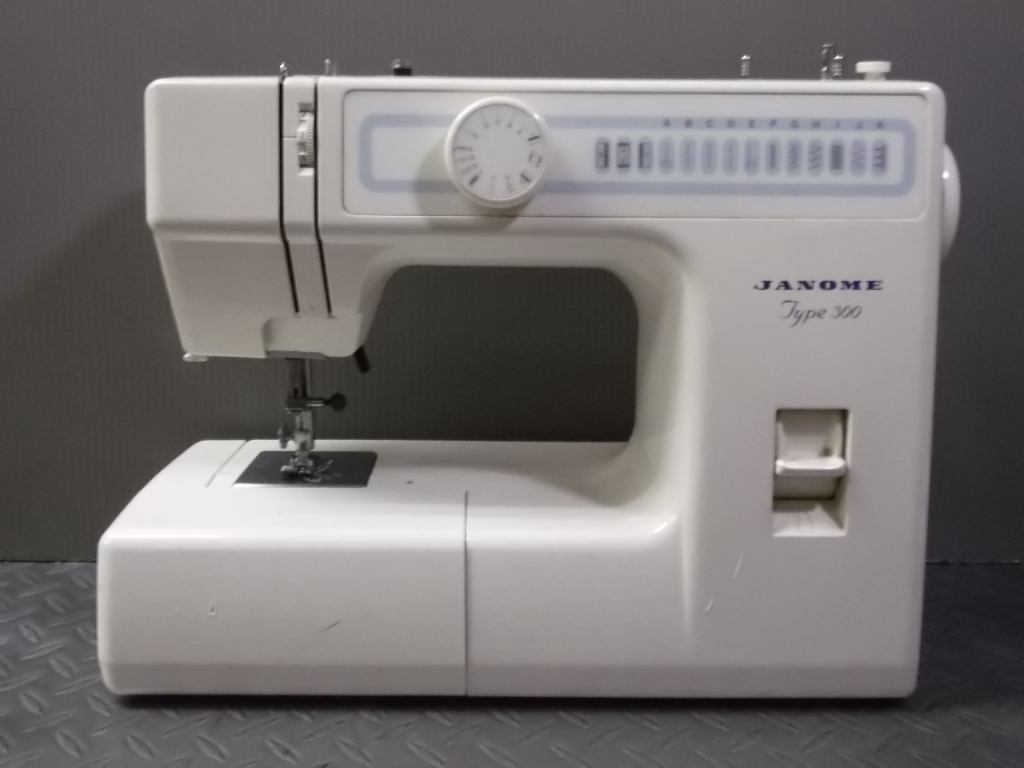 j-TYPE300-1.jpg