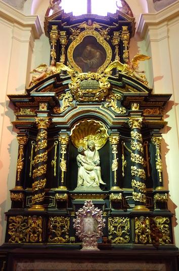 ロレッタ教会27