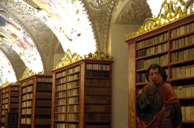 ストラホフ修道院の歯の痛い人