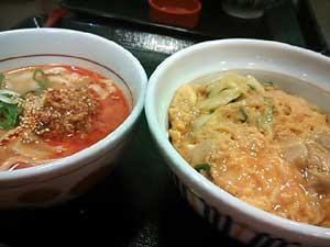 なか卯親子丼とミニ担担麺