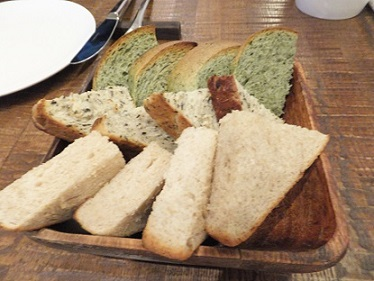2全粒粉のパン