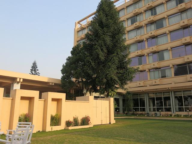 エベレストホテルl