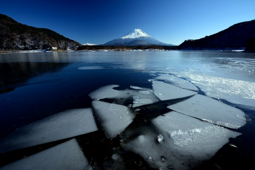 DSC_2513流氷と富士山・精進湖