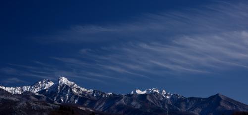 雲の映える赤岳山群