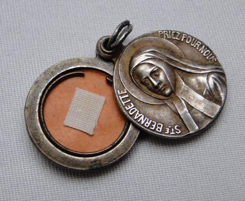 Medal_03.jpg