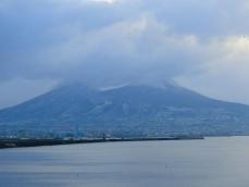 ベスビオ火山冠雪
