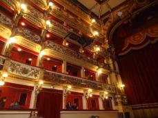 ベッリーニ劇場