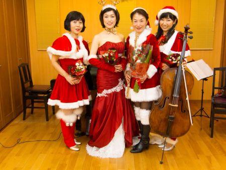 AWAのクリスマス4人
