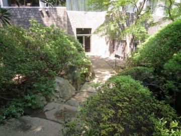 庭園出入口