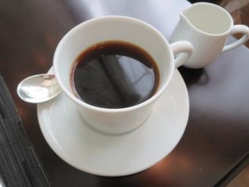 コーヒーはサーブされます