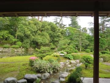 時雨亭から長谷池を見て
