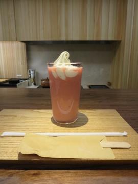 甘酒いちごフロート 600円(税別)