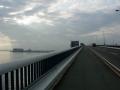 150620早朝の琵琶湖大橋を渡る
