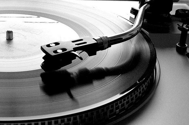 vinylBW3_616.jpg