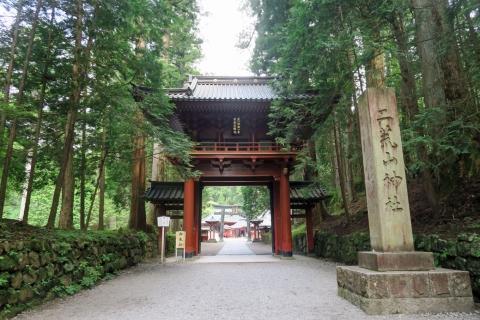07二荒山神社楼門