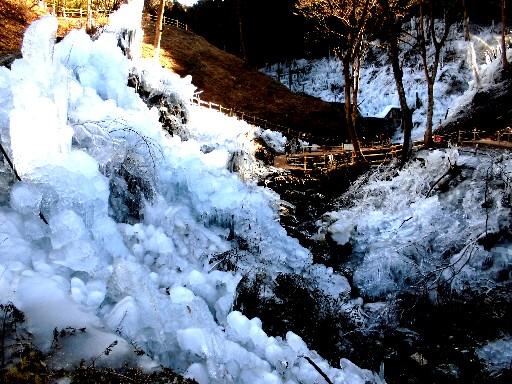 3 15.1.12 芦ケ久保の氷柱 (93)