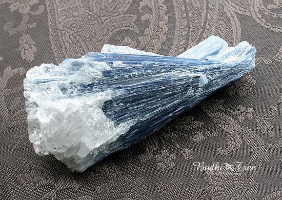 カイヤナイト原石15040719.jpg