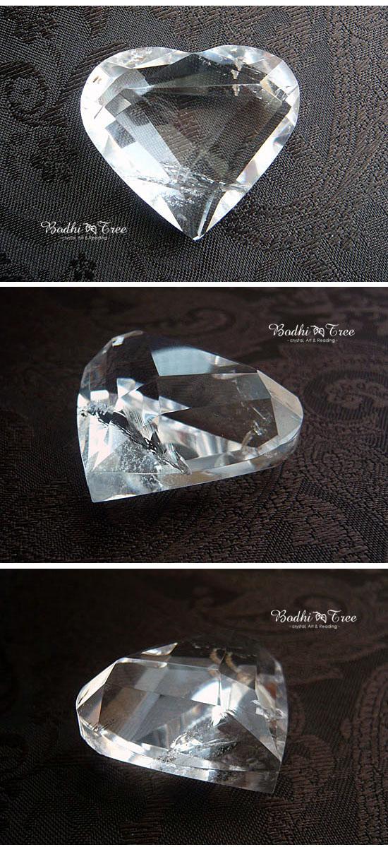 クリアクリスタル(水晶)のハートシェイプ