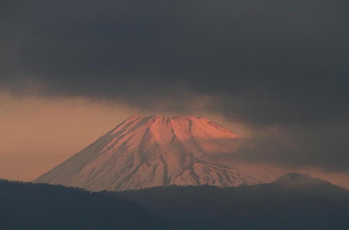 20日 6-52 今朝の富士山-1