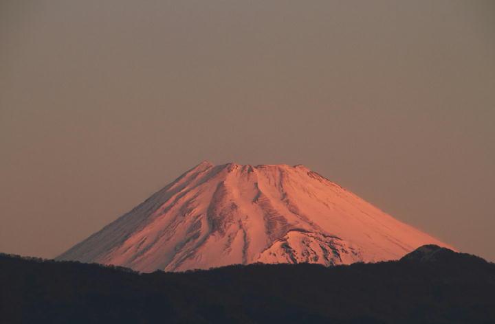 25日 6-52 今朝の富士山-1