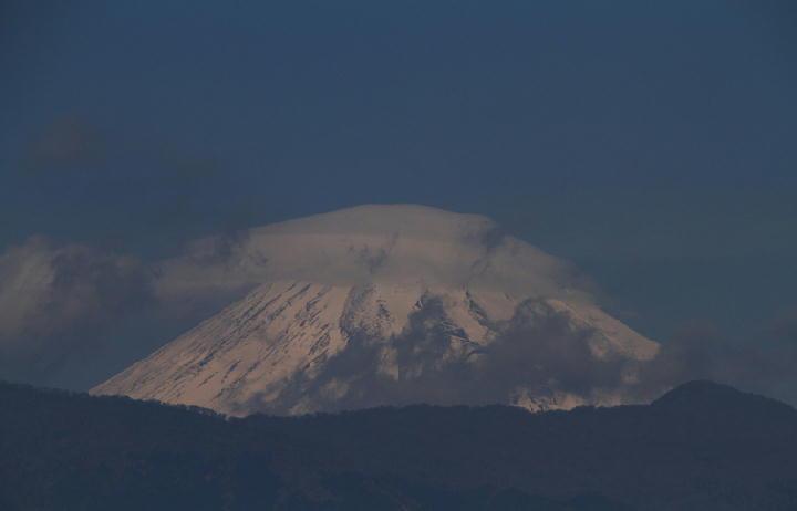 26日 11-48 今日の富士山-1