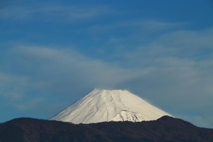 27日 7-52 今朝の富士山-1