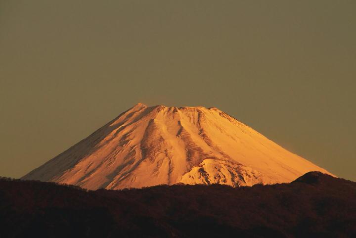 2日 6-52 今朝の富士山-1