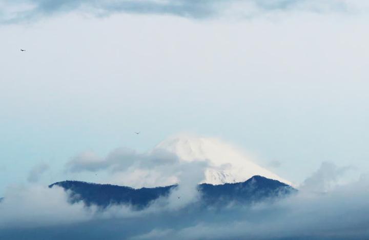 10日 5-54 今朝の富士山-1