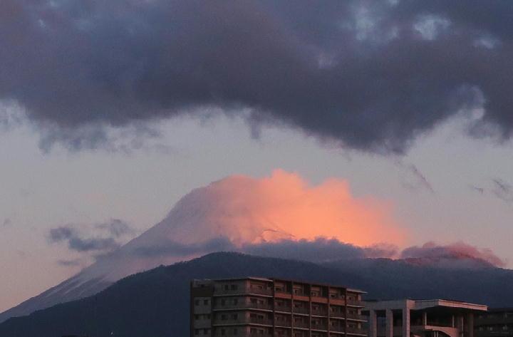 11日 6-15 今朝の富士山1-2