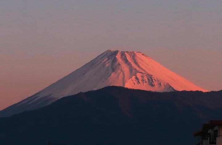 13日 6-07 今朝の富士山-1