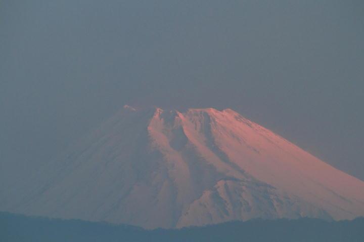 23日5-51 今朝の富士山-1