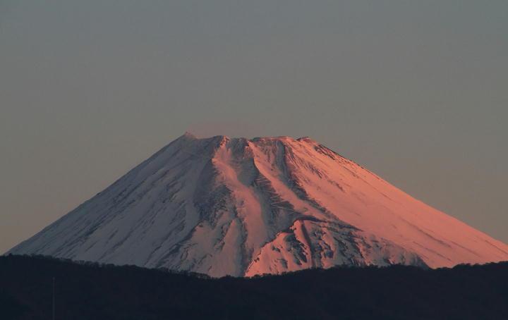 24日 5-49 今朝の富士山-1