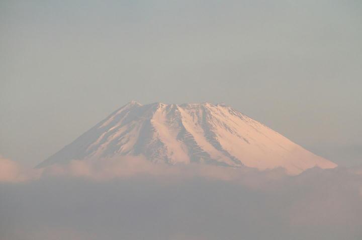 31日 6-25 今朝の富士山-2