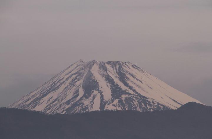 10日 5-37 今朝の富士山-1