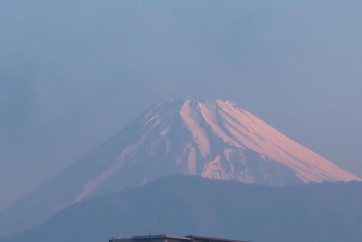 23日 6-13 今朝の富士山-3