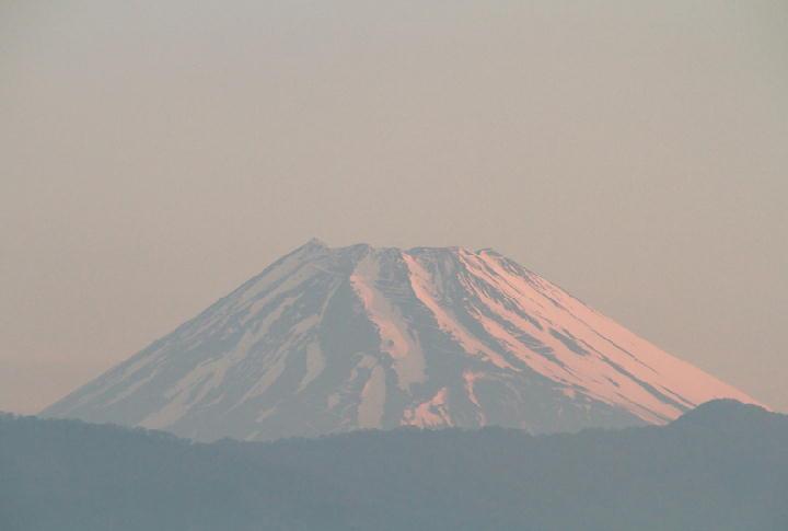 24日 5-14 今朝の富士山