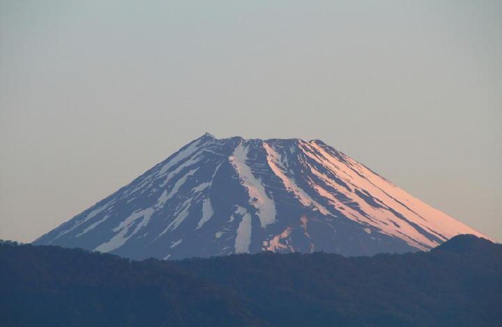 2日 5-06 今朝の富士山-1