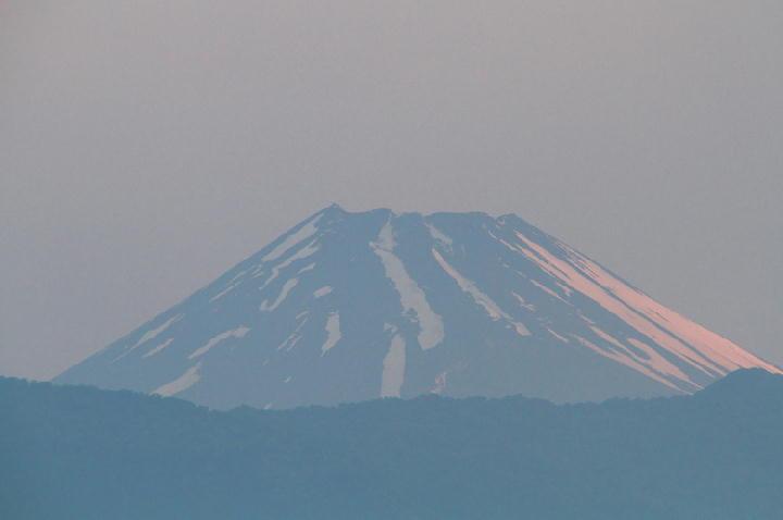 18日 4-51 今朝の富士山-1