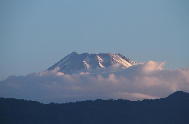 21日 5-09 今朝の富士山-1