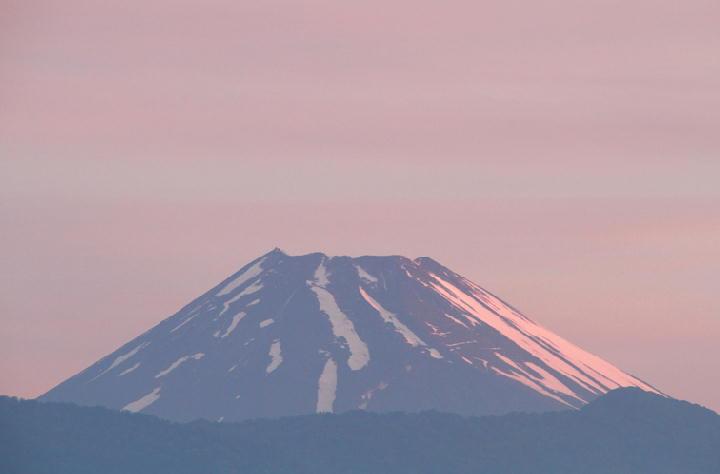 22日 4-37今朝の富士山-1