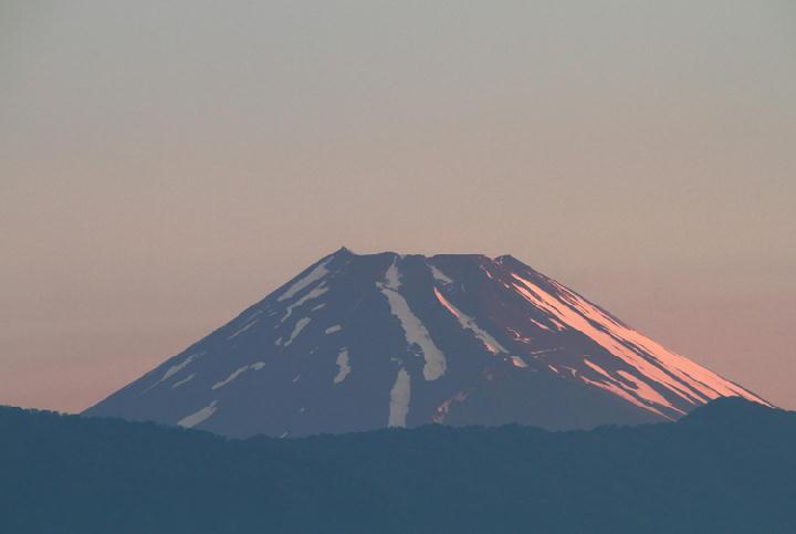 23日 4-40 今朝の富士山-1