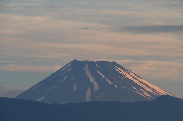 25日 4-56 今朝の富士山-1
