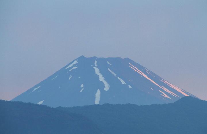 5日 4-32 今朝の富士山-1