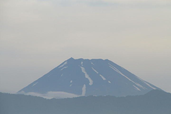 10日 5-16 今朝の富士山-1