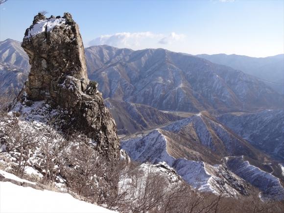中倉山の石塔尾根.