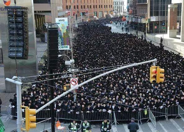 参考:10万人のユダヤ教徒による抗議デモ