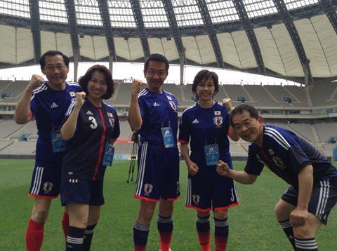 小田原潔「日韓議連のサッカー大会。ソウルワールドカップスタジアムで本格的に開催。MERSが騒がれている中来てくれたと歓迎されました。街は落ち着いています。」「彼の国の振る舞いには首を傾げていましたが、それ