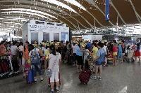 韓国政府は航空機のMERS消毒法分からず、殺虫剤をまくエアラインも・・韓国ネット「助けを求めてください」「大丈夫と自信満々だったことが…」